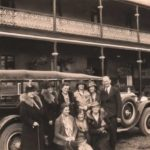 Travellers-outside-the-Royal-Hotel-1920s