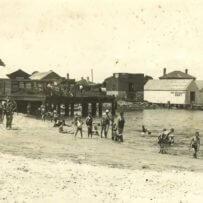 Bathing-near-Town-Wharf-1930s