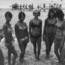 Miss-Beach-Girl-entrants-Surf-Carnival-1968